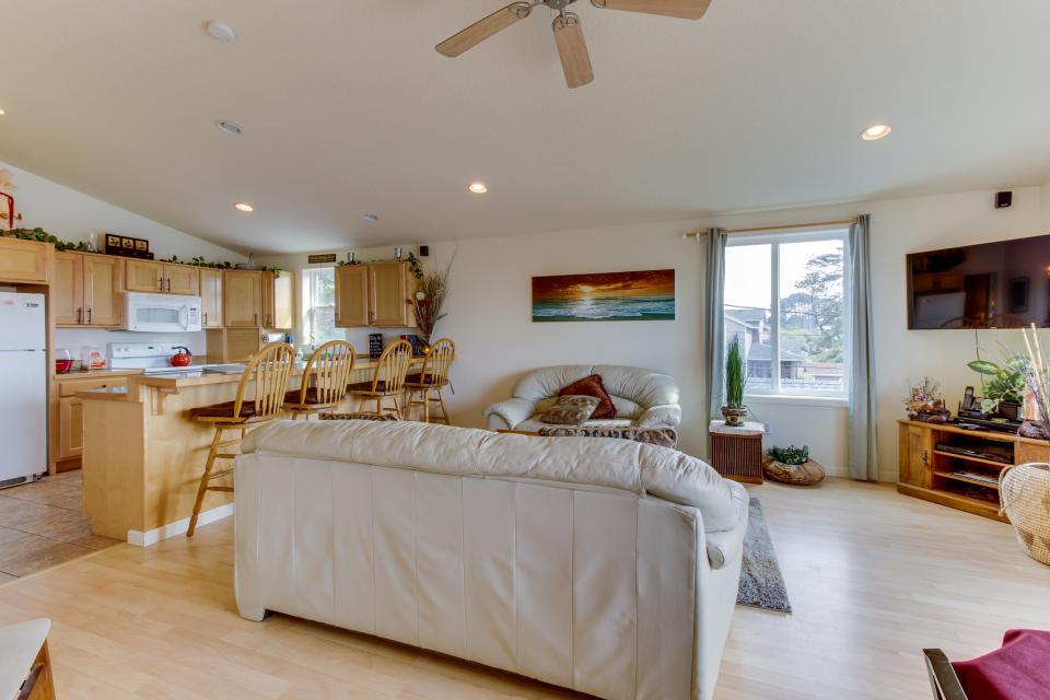Pacific Ave, Park Place & Boardwalk - Rockaway Beach Vacation Rental - Photo 17