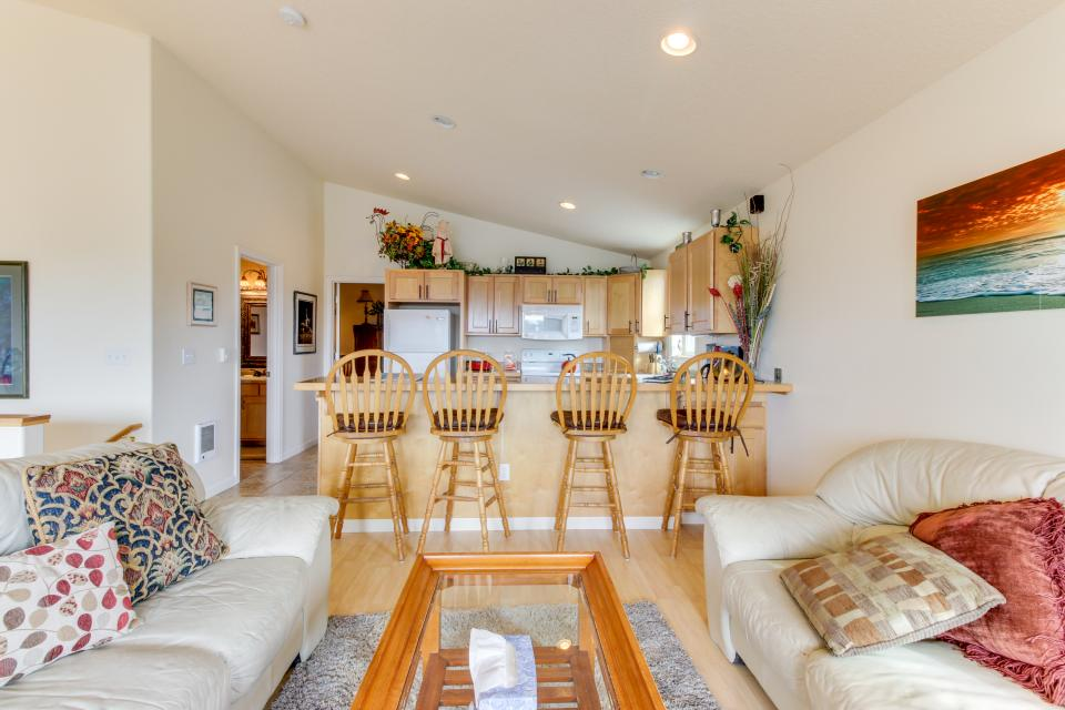 Pacific Ave, Park Place & Boardwalk - Rockaway Beach Vacation Rental - Photo 23