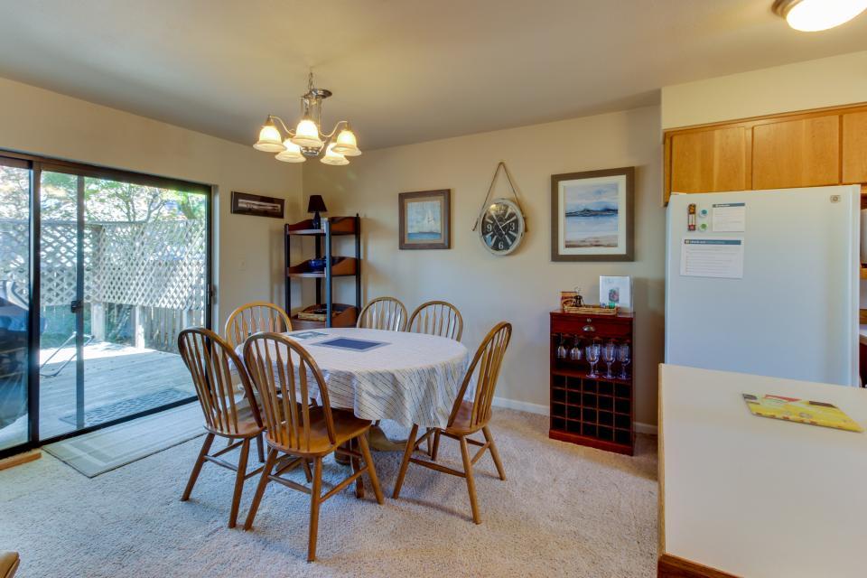 Ocean Oak - Seaside Vacation Rental - Photo 10
