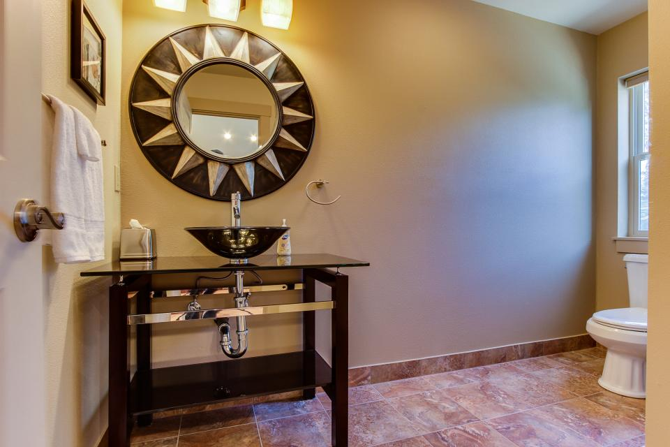 Helamans House - Lincoln City Vacation Rental - Photo 10