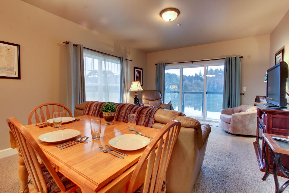 River Vista - Florence Vacation Rental - Photo 9