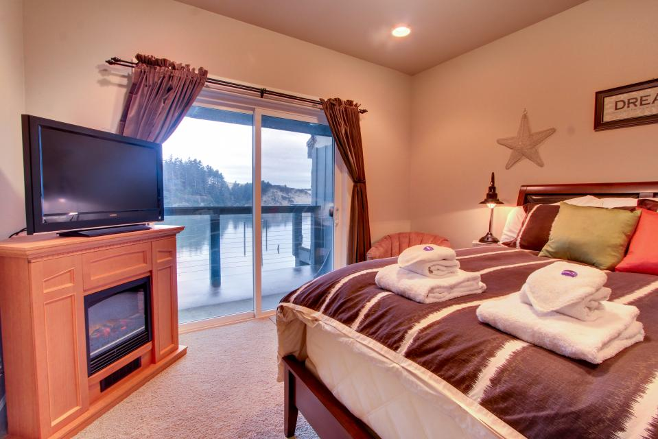 River Vista - Florence Vacation Rental - Photo 13