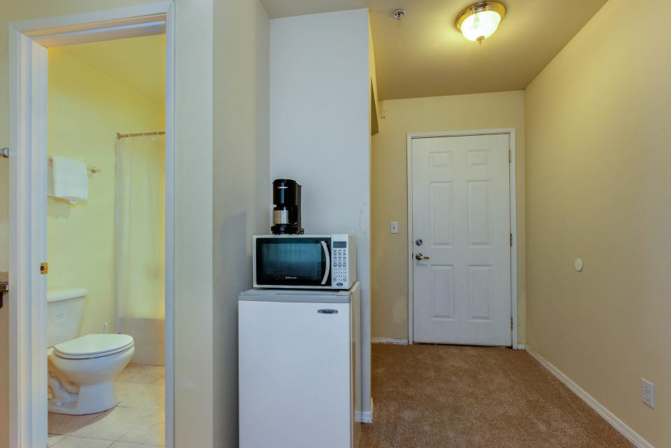 Seahorse 1-A - Lincoln City Vacation Rental - Photo 7