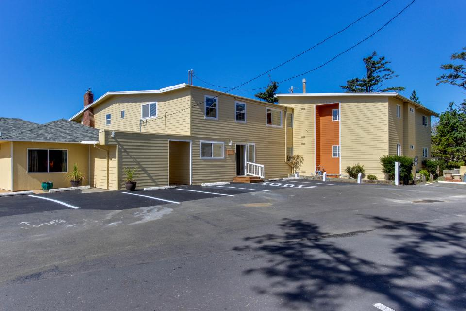 Salmon 1-D - Lincoln City Vacation Rental - Photo 12