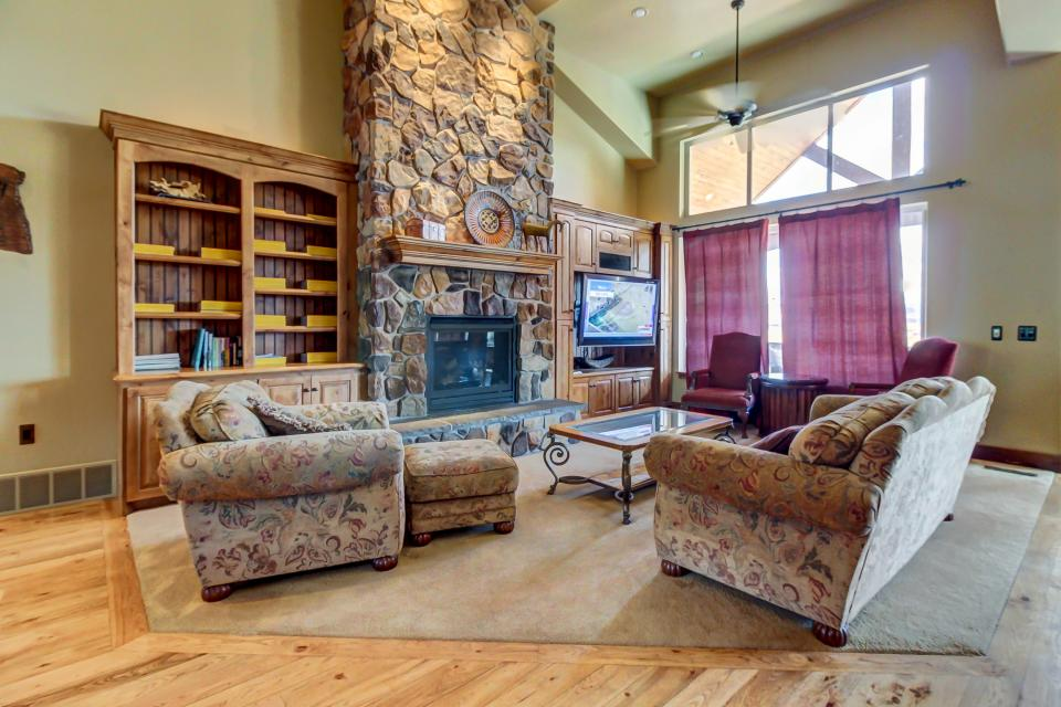 Lone Eagle Ranch - Kamas Vacation Rental - Photo 12