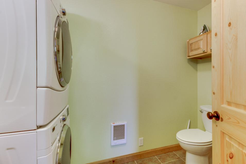 Coral Escape - Rockaway Beach Vacation Rental - Photo 22