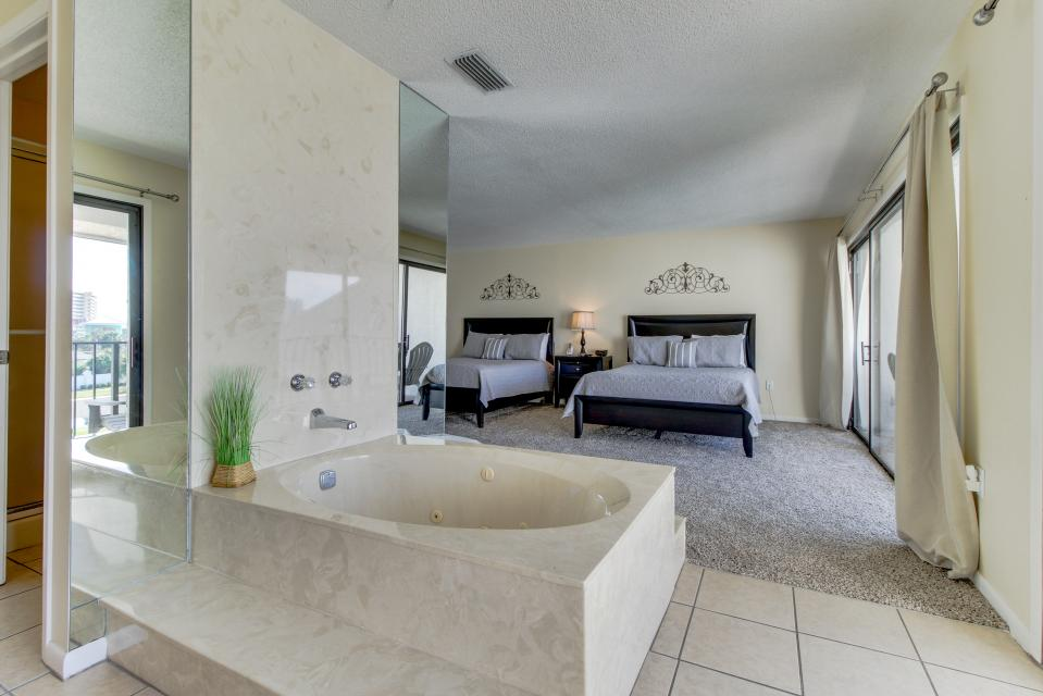 Edgewater Golf Villa 205 - Panama City Beach Vacation Rental - Photo 23