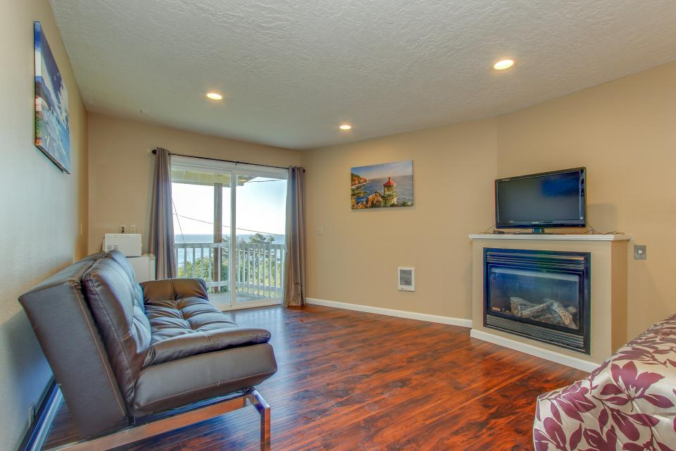 Salmon 2-D - Lincoln City Vacation Rental - Photo 1