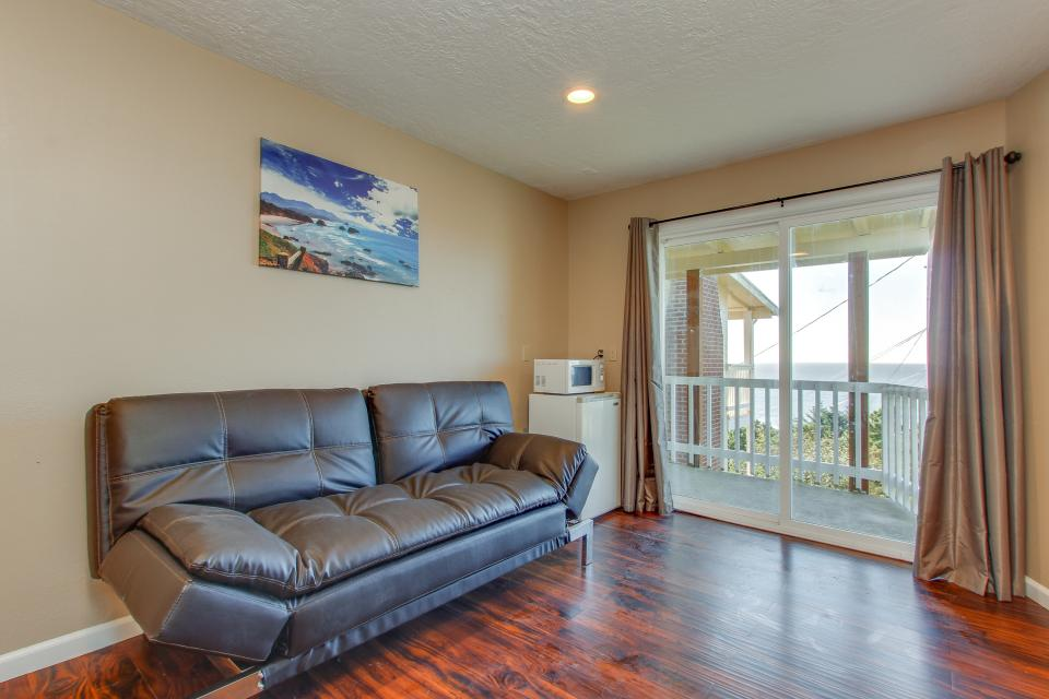Salmon 2-D - Lincoln City Vacation Rental - Photo 4