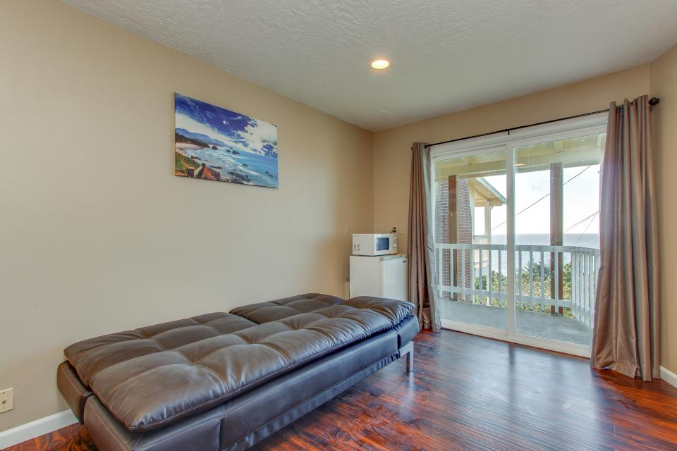 Salmon 2-D - Lincoln City Vacation Rental - Photo 5