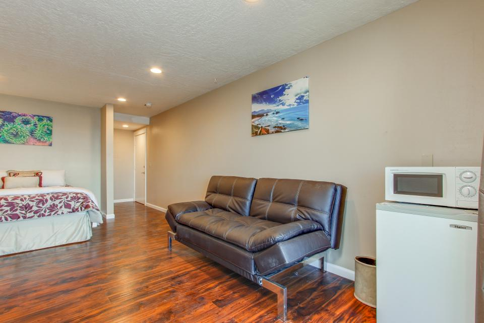 Salmon 2-D - Lincoln City Vacation Rental - Photo 7