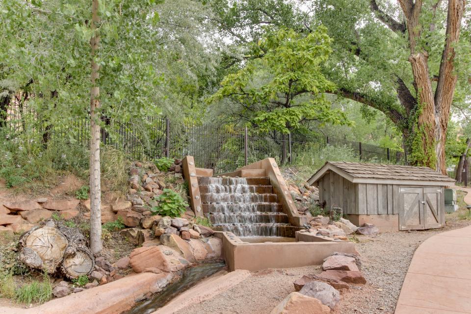 moab springs ranch 10 3 bd vacation rental in moab ut. Black Bedroom Furniture Sets. Home Design Ideas