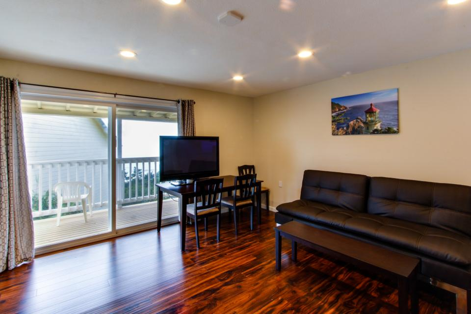 Dolphin D-1 - Lincoln City Vacation Rental - Photo 7