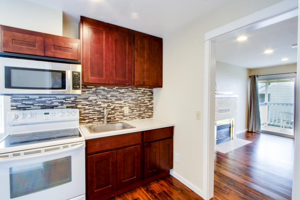 Dolphin D-1 - Lincoln City Vacation Rental - Photo 4