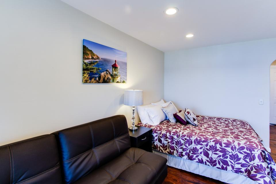 Dolphin D-3 - Lincoln City Vacation Rental - Photo 8