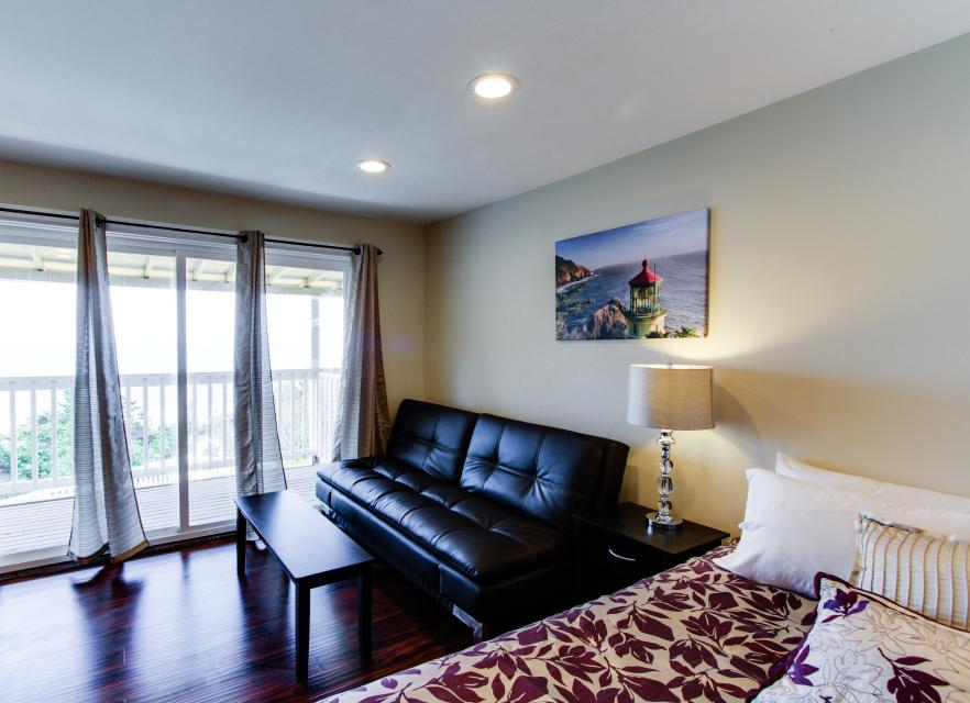Dolphin D-3 - Lincoln City Vacation Rental - Photo 7