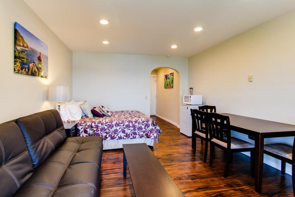 Dolphin D-3 - Lincoln City Vacation Rental - Photo 4