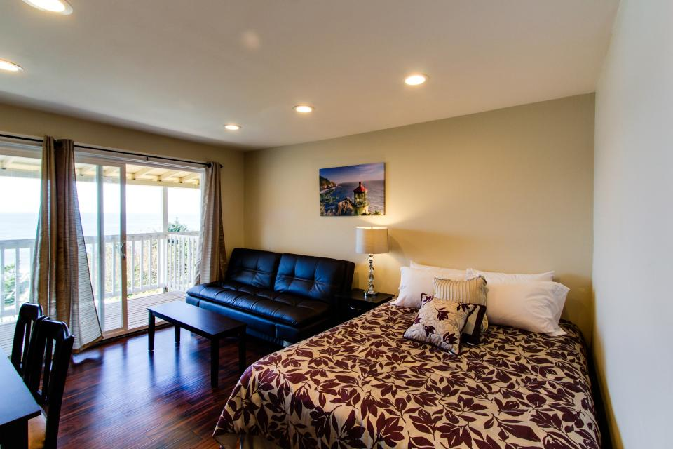Dolphin D-3 - Lincoln City Vacation Rental - Photo 6