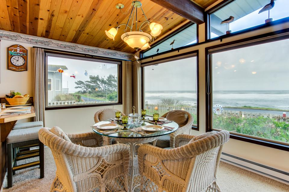 Patty's Sea Perch Oceanfront - Yachats Vacation Rental - Photo 10