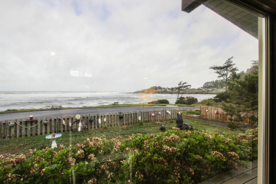 Patty's Sea Perch Oceanfront - Yachats Vacation Rental - Photo 14
