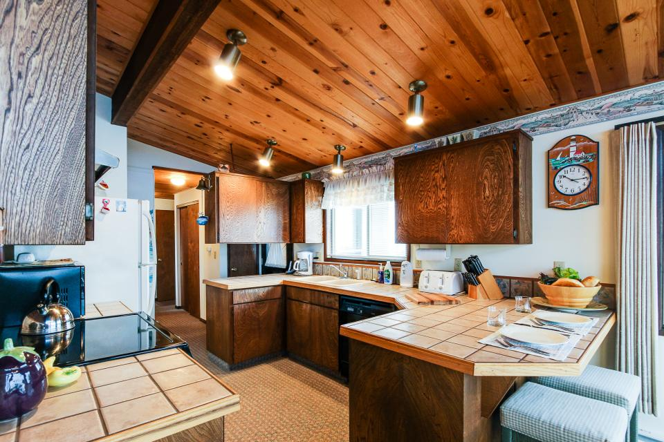 Patty's Sea Perch Oceanfront - Yachats Vacation Rental - Photo 12