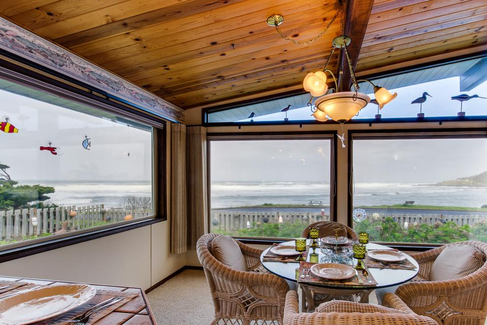 Patty's Sea Perch Oceanfront - Yachats Vacation Rental - Photo 11