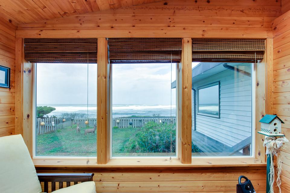 Patty's Sea Perch Oceanfront - Yachats Vacation Rental - Photo 24