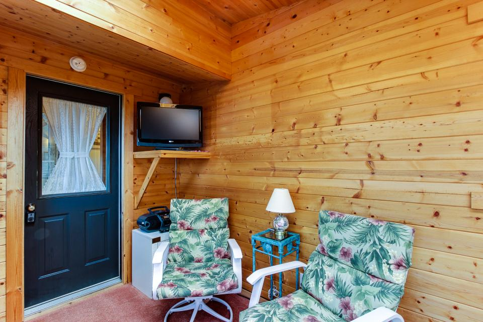 Patty's Sea Perch Oceanfront - Yachats Vacation Rental - Photo 21