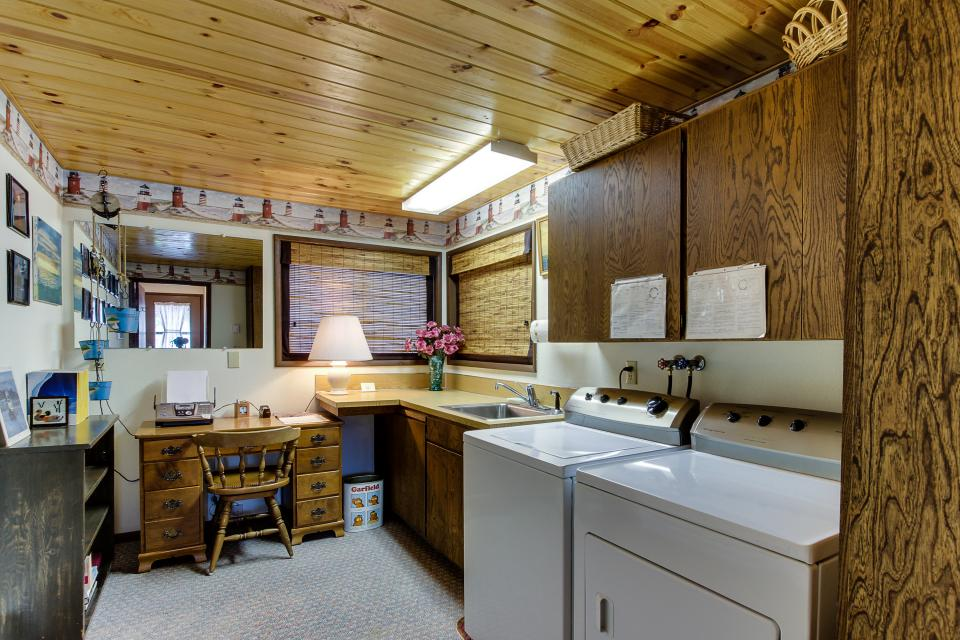 Patty's Sea Perch Oceanfront - Yachats Vacation Rental - Photo 25