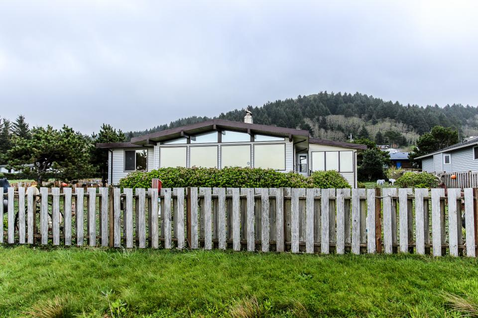 Patty's Sea Perch Oceanfront - Yachats Vacation Rental - Photo 35