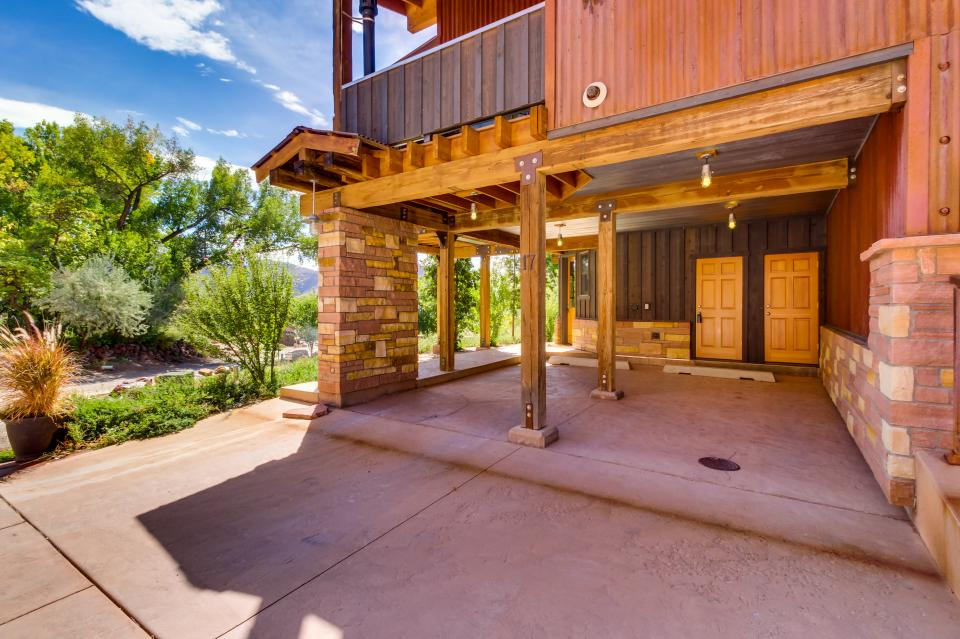 moab springs ranch 17 2 bd vacation rental in moab ut. Black Bedroom Furniture Sets. Home Design Ideas