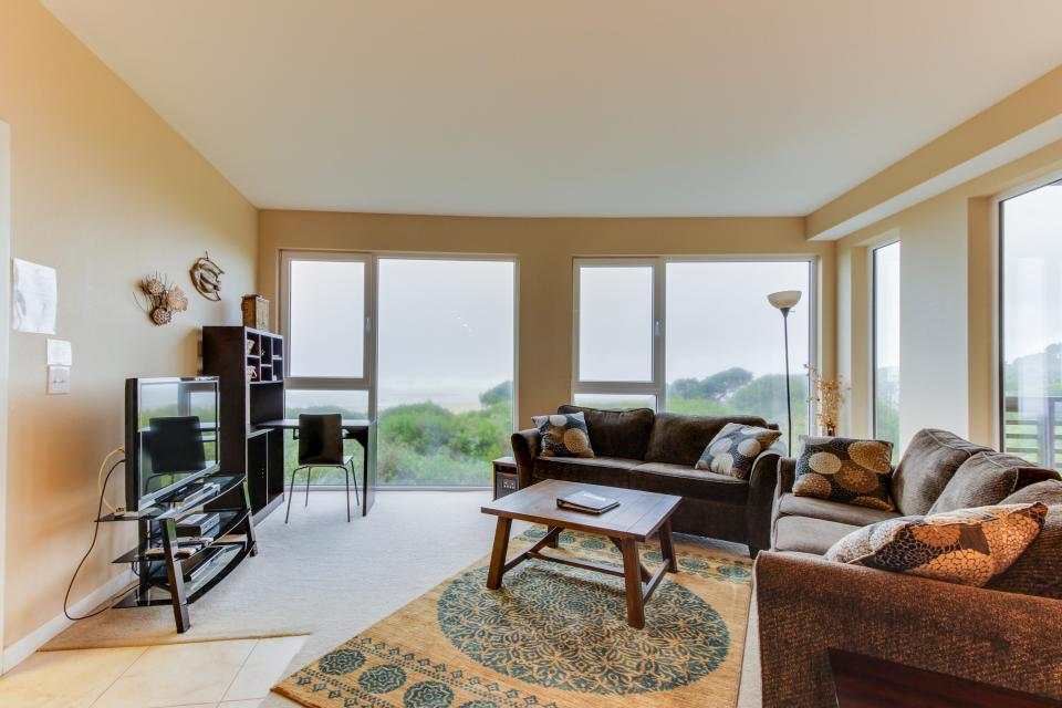 The Brookhaven #104 - Rockaway Beach Vacation Rental - Photo 8