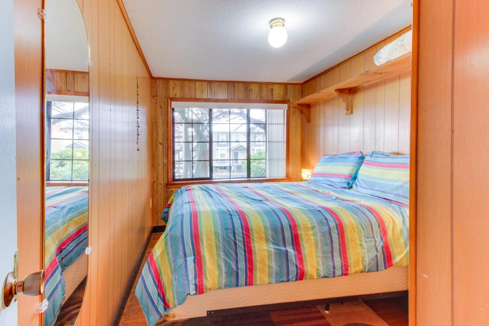 Buddy's Cottage - Rockaway Beach Vacation Rental - Photo 17