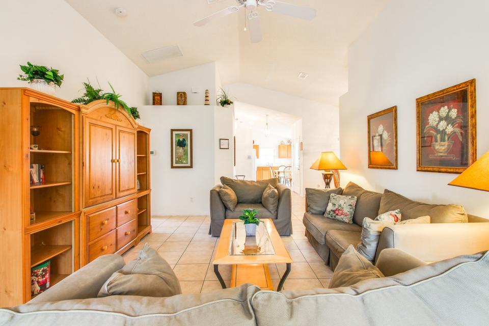 Golden Villa - Kissimmee Vacation Rental - Photo 11