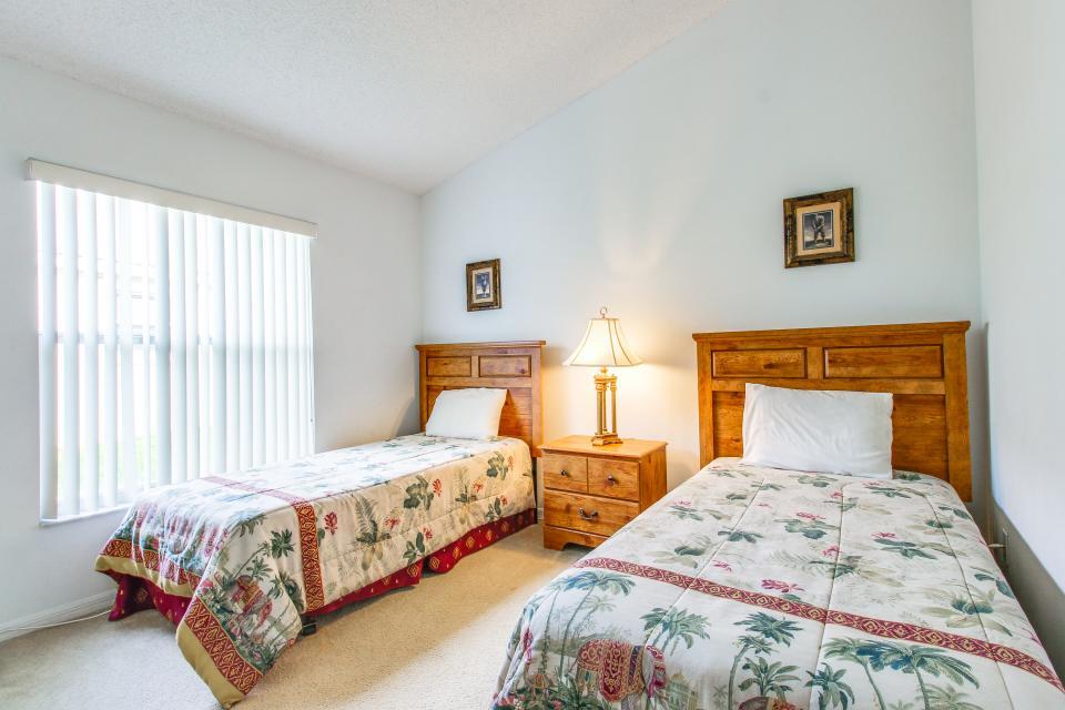 Golden Villa - Kissimmee Vacation Rental - Photo 25