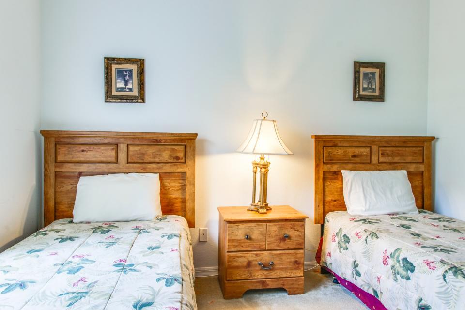 Golden Villa - Kissimmee Vacation Rental - Photo 27