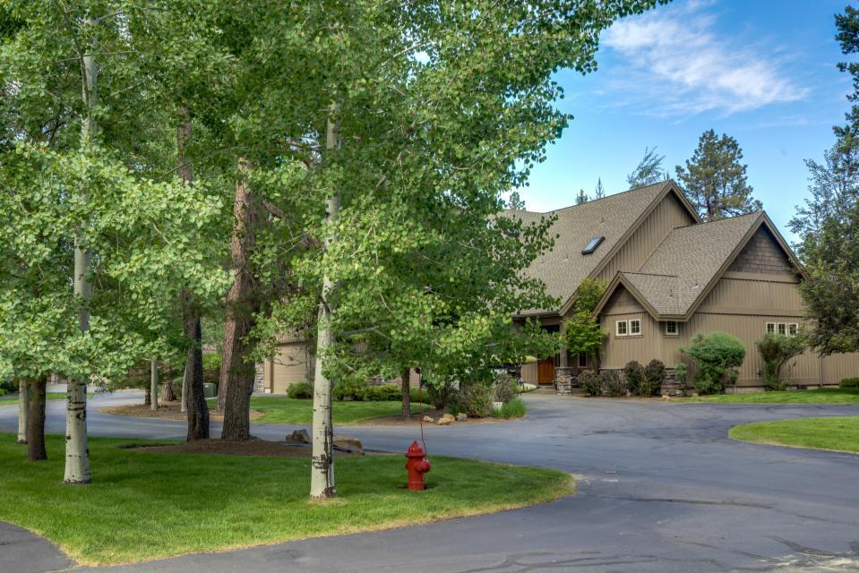 5 Aquila Lodge  - Sunriver Vacation Rental - Photo 1