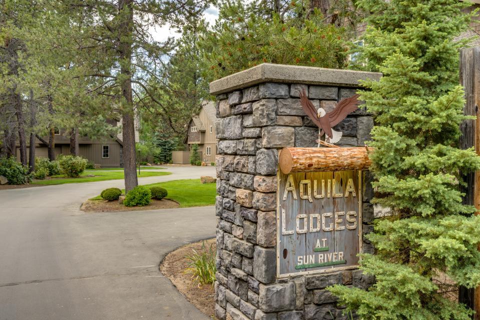 5 Aquila Lodge  - Sunriver Vacation Rental - Photo 26