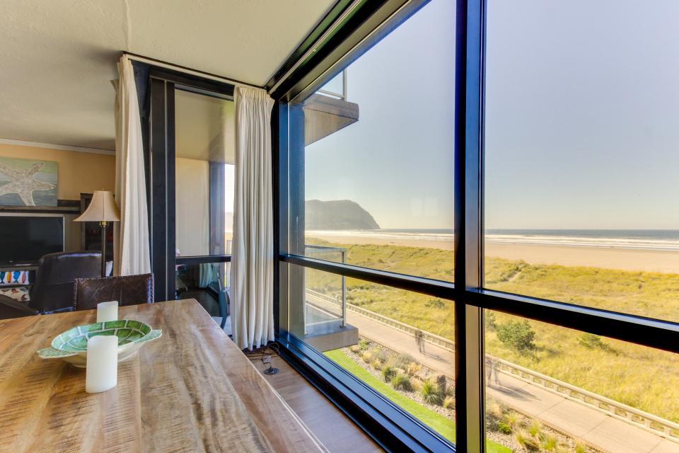 Sand & Sea: Wave Watcher (302) - Seaside Vacation Rental - Photo 2