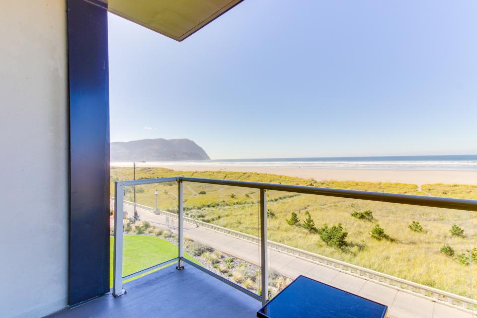 Sand & Sea: Wave Watcher (302) - Seaside Vacation Rental - Photo 1