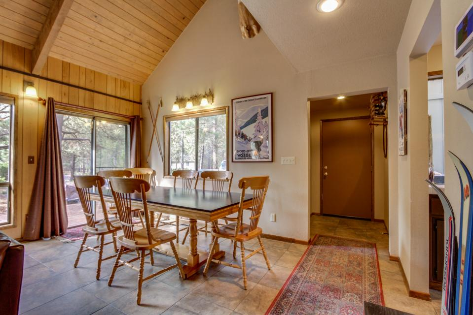 7 Flat Top - Sunriver Vacation Rental - Photo 3