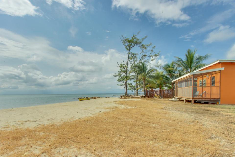 Oceanus Cabanas - Dangriga Vacation Rental - Photo 25