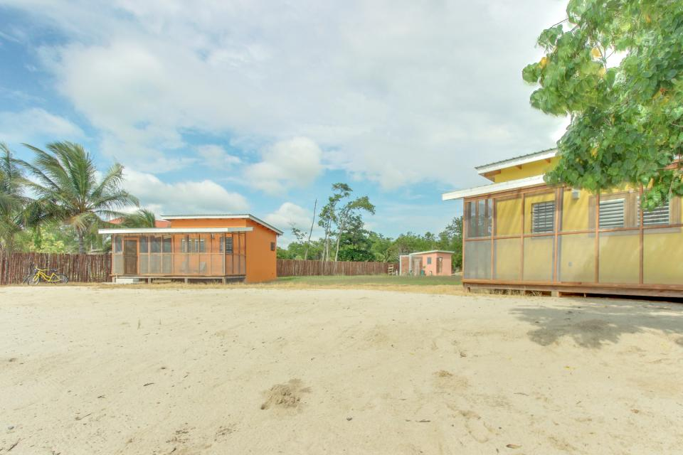 Oceanus Cabanas - Dangriga Vacation Rental - Photo 4