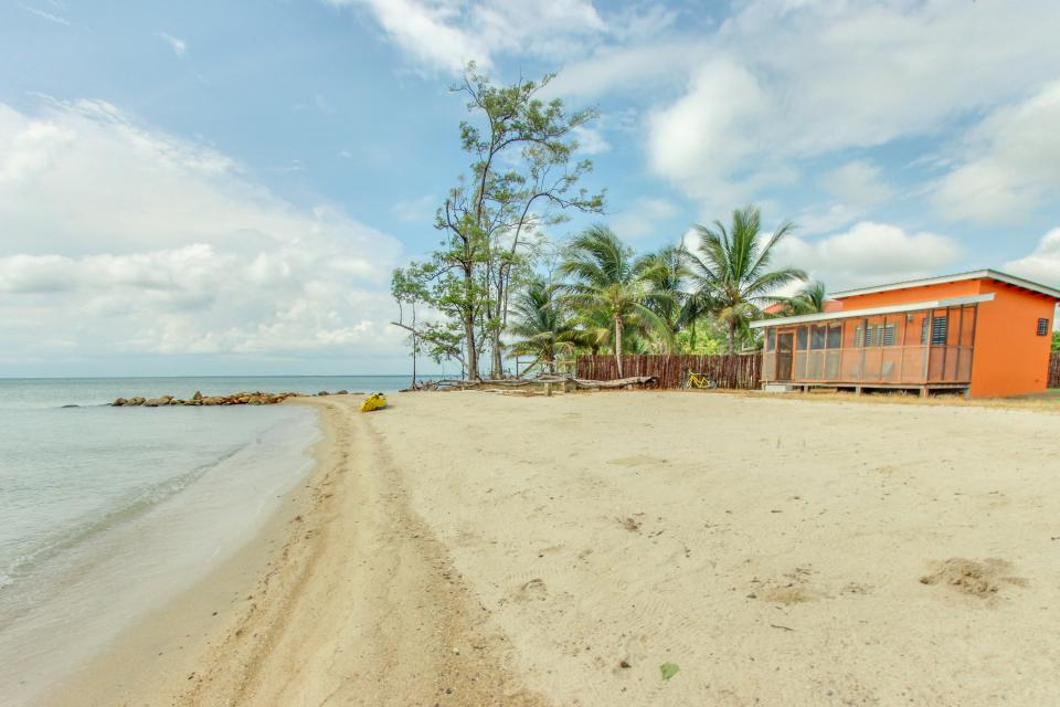 Oceanus Cabanas - Dangriga Vacation Rental - Photo 3