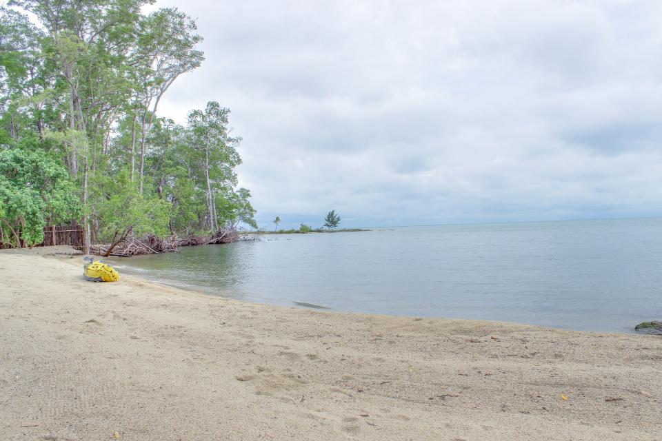 Oceanus Cabanas - Dangriga Vacation Rental - Photo 31