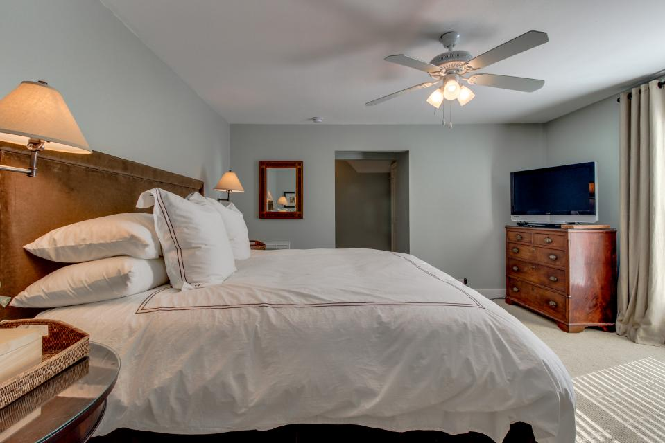 Luna Retreat - Galveston Vacation Rental - Photo 27