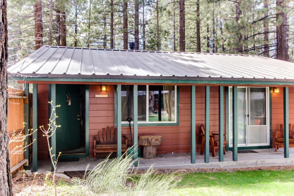 Spruce Grove Washoe Cabin - South Lake Tahoe - Take a Virtual Tour