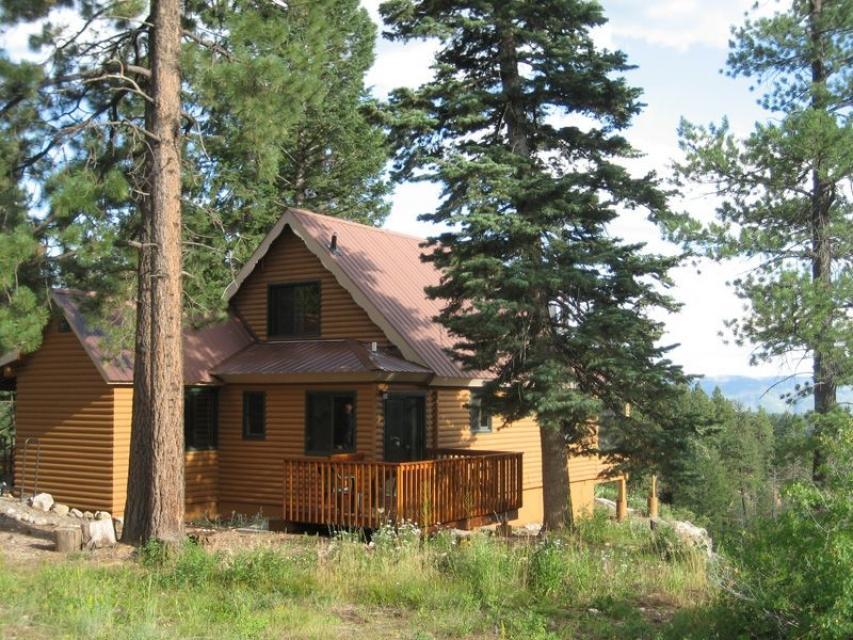 Primrose cabin 3 bd vacation rental in durango co vacasa for Cabins to stay in durango colorado