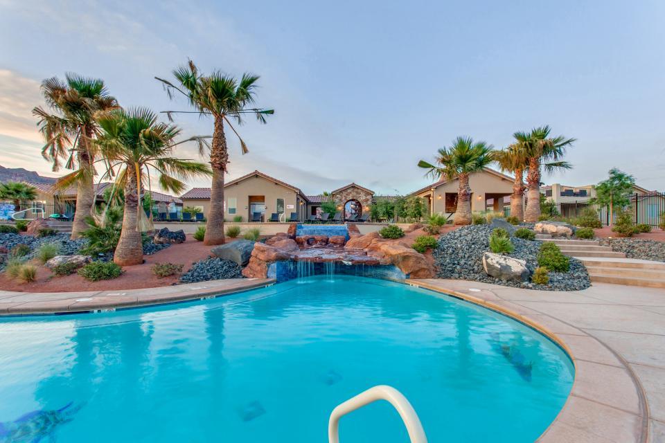 Mountain View Retreat: Paradise Village at Zion #39 - Santa Clara Vacation Rental - Photo 4
