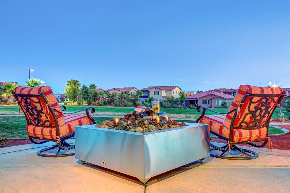 Mountain View Retreat: Paradise Village at Zion #39 - Santa Clara - Take a Virtual Tour
